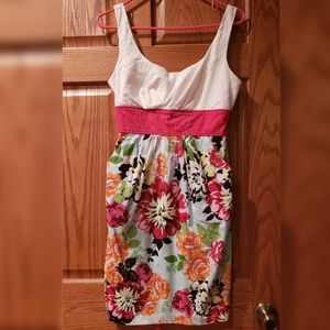 Floral sundress with pockets!